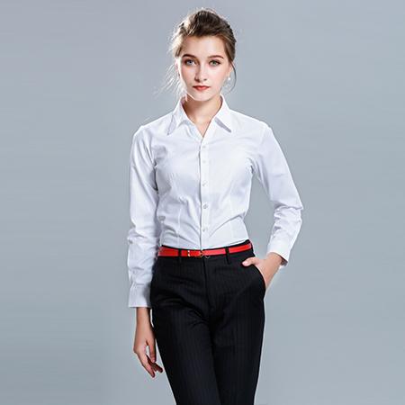 职业装衬衫显优雅气质